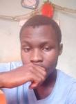 Lucas, 21  , Yaounde
