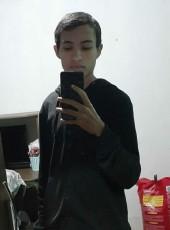 Vicente , 18, Brazil, Brasilia