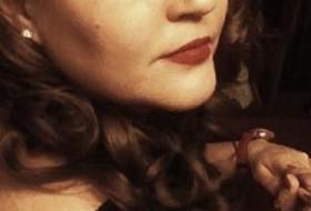 Talia, 37 - Just Me
