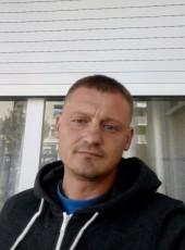 Veaceslav, 37, France, Paris