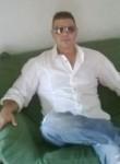 Massy, 49  , Roman