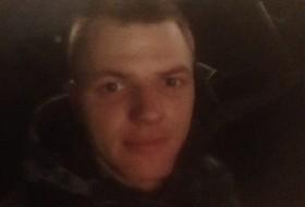 Evgen, 26 - Just Me