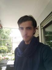 Artur, 29, Russia, Volgograd