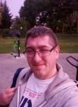 Pat, 41  , Redon