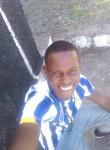 Isaias, 25  , Praia