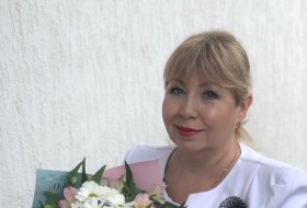 Elli, 51 - Just Me