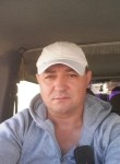 Victor Fransua, 45  , Paris