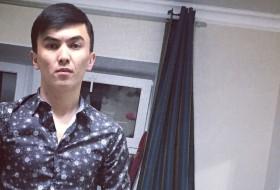 Altynbek, 23 - Just Me