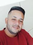 Vitor, 24  , Patos