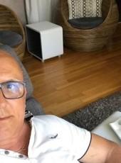 José Ventura, 63, France, Cherbourg-Octeville