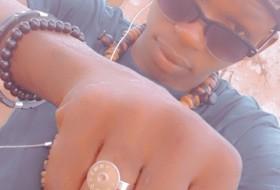 Boubacar toure, 21 - Just Me