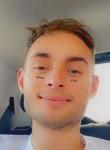 Enzo, 21, Saint-Egreve