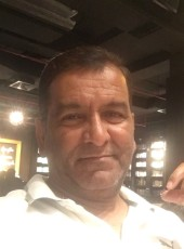 Munir, 54, Qatar, Doha
