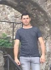 Dragan, 18, Bosnia and Herzegovina, Bijeljina