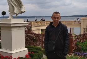 Mikhail, 39 - Just Me