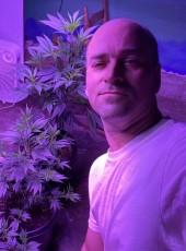 JC, 48, United States of America, Los Angeles
