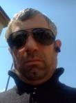 Eduart, 43  , Milano