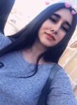 Madina, 21  , Makhachkala