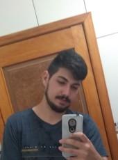 Luis, 20, Brazil, Prudentopolis