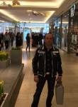 Kostas, 47  , Verden