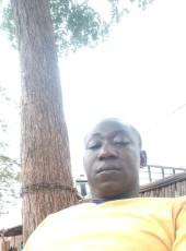 Souley, 18, Ghana, Accra