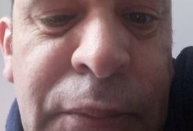 Carlos, 44 - Just Me