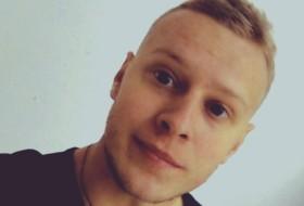 Alferifz, 23 - Just Me