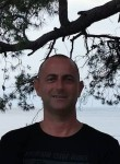 Nedzad, 51  , Tuzla