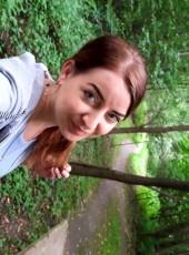Arina, 37, Russia, Murmansk