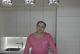 Maksim, 44 - Just Me