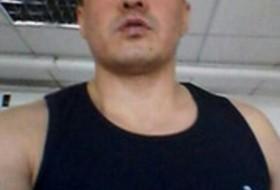 Rashid, 42 - Just Me