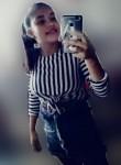 Andrea Camila , 18  , Pune