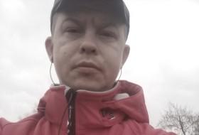 Boris, 39 - Just Me
