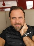 Gerhard Manfred, 53  , Madrid