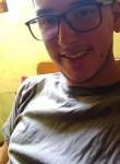 Daniel , 23  , Montevideo