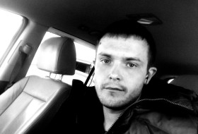 Evgeniy , 34 - Just Me