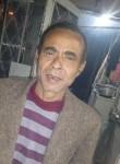 Roberto, 57  , Porto Alegre
