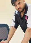 rana, 25, Sharjah