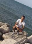 Med aziz, 20  , Tunis