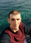 Sergey, 37  , Kastsyukovichy