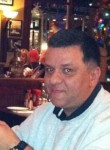 Dennis Brown, 56  , Moulins
