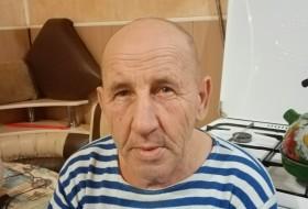 Vladimir, 62 - Just Me