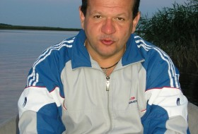 victor, 52 - Just Me