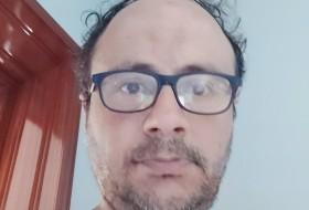 Vert , 44 - Just Me