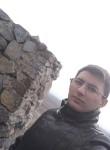 Hayk, 18, Yerevan