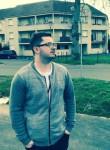 James, 28  , Savigny-le-Temple