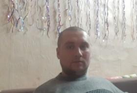 Vladislav, 31 - Just Me