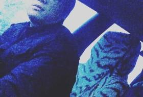 Akhridin, 24 - Just Me