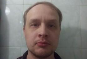 Valeriy Molchanov, 38 - Just Me