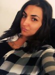 Giulia, 22  , Pontarlier